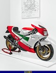 Production (Stock) Ducati 851/888 Superbike, a red and black motorcycle a red and black Ducati 851/888 Superbike Sportbike