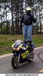 Stunts Honda CBR900RR, Just surfing through the Louisiana country side