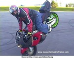 Stunts Honda CBR900RR, i thought the starboyz bikes were bad look at this one ! nice endo though!!!!!!