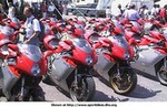 Production (Stock) MV F4 750cc, 1st mv agusta f4 owner's meeting, june 17/18 2000, cascina costa (italy), a view of the over 100 units of mv agusta f4 present.