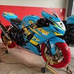 Production (Stock) Suzuki GSX-R1000, a train cake sitting on top of a motorcycle