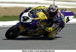 Production (Stock) Suzuki GSX-R750, 2001 Suzuki GSX R750 25361.jpg a man riding a 2001 Suzuki GSX-R750 Sportbike on a track