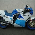 Production (Stock) Suzuki GSX-R750, a blue motorcycle parked on the side of a road