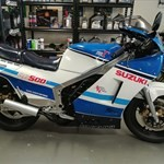 Production (Stock) Suzuki RG Models, a blue and white motorcycle a blue and white Suzuki RG Models Sportbike