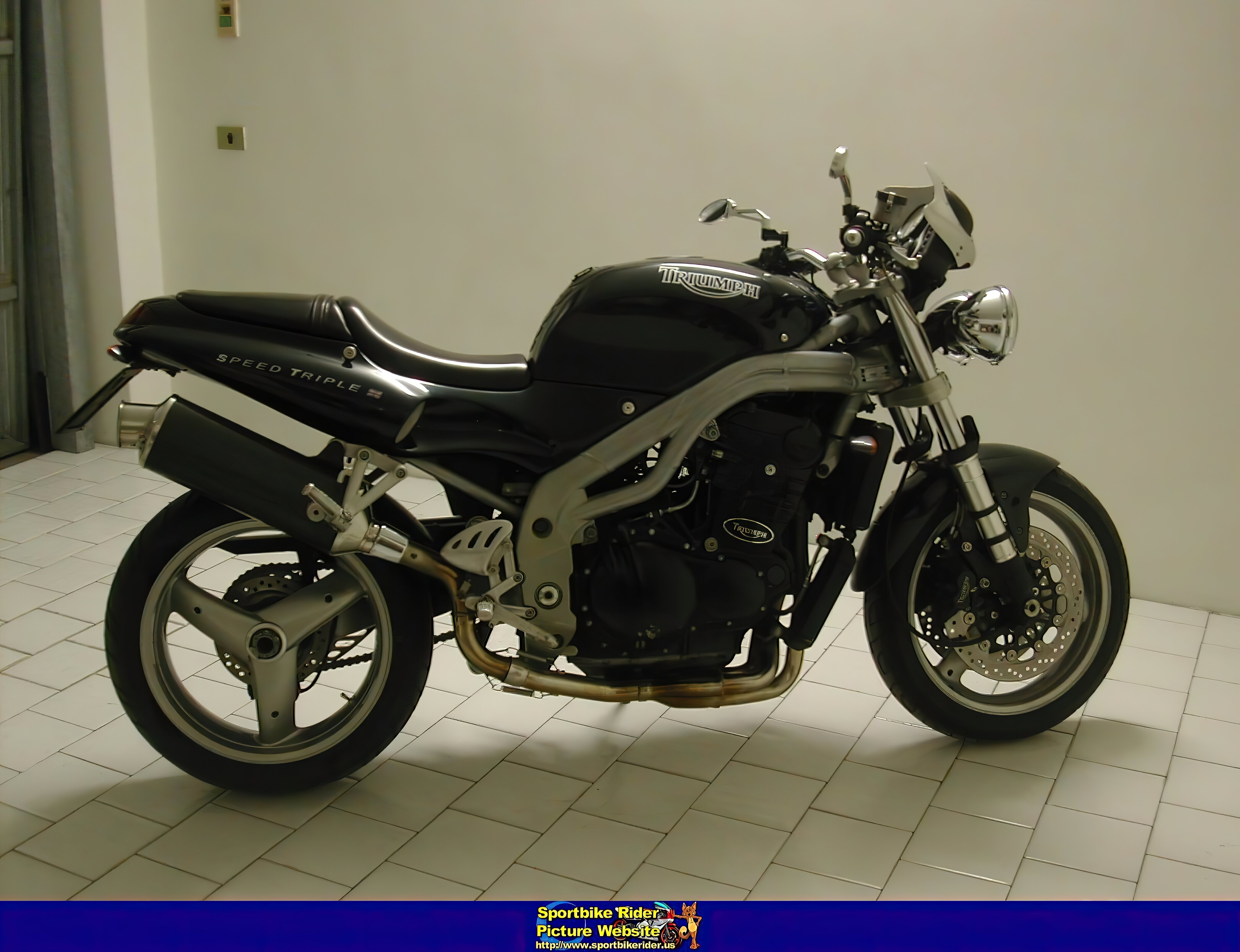 Triumph Speed Triple - ID: 320975