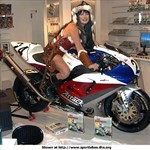 Women Yamaha YZF-R1, Hot babe with a Yamaha YZF-R1 motorcycle! a person sitting on a 2000 Yamaha YZF-R1 sportbike