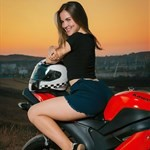 Women Kawasaki Ninja ZX-6R, a woman sitting on a motorcycle a woman sitting on a Kawasaki ZX-6 and ZZR600 Sportbike