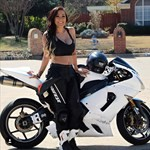 Women Kawasaki ZX-6 and ZZR600, a person riding on the back of a motorcycle a person riding on the back of a Kawasaki ZX-6 and ZZR600 Sportbike