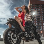 Women Yamaha MT-09, a person sitting on a motorcycle