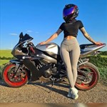 Women Yamaha YZF-R1, a person riding on the back of a motorcycle
