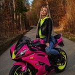 Women Yamaha YZF-R6, a person sitting on a motorcycle