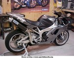 Production (Custom) Yamaha YZF-R1, Another pic of my friends R1, this time in his workshop.