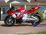 Production (Custom) Yamaha YZF-R1, Another pic of my bike...