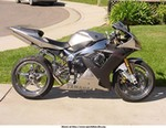 Production (Custom) Yamaha YZF-R1, 1 more pic of that bad *ssed R1.  Also found on a R1 site.