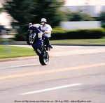 Stunts Yamaha YZF-R1, Just messing around!!