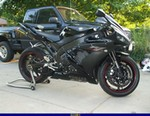 Production (Stock) Yamaha YZF-R1, <p>2005 yamaha raven R1...........</p>
