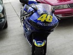 Production (Custom) Yamaha YZF-R6, Here is the front of my Rossi Replica 03 R6